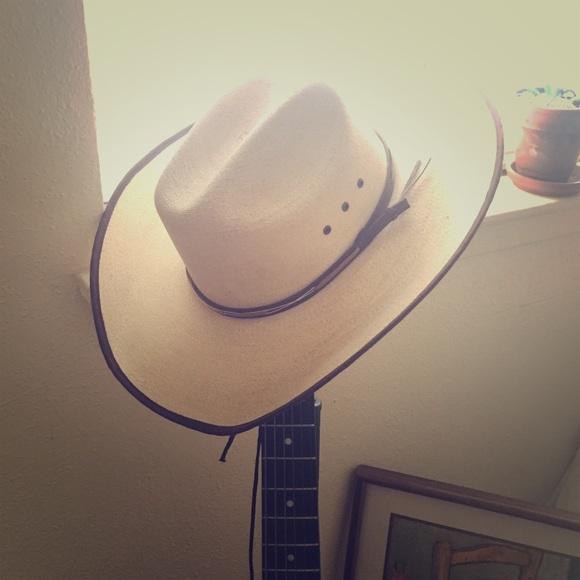 bf13b9f2e20 Cavenders Accessories - Cavender s Cowboy Hat 🤠